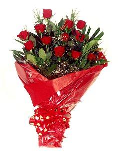 12 adet kirmizi gül buketi  Gaziantep İnternetten çiçek siparişi