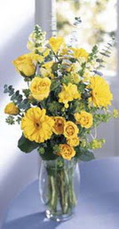 Gaziantep çiçek gönderme  sari güller ve gerbera cam yada mika vazo