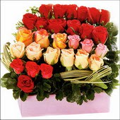 15 adet renkli gül ve cam   Gaziantep yurtiçi ve yurtdışı çiçek siparişi