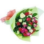 12 adet renkli gül buketi   Gaziantep 14 şubat sevgililer günü çiçek