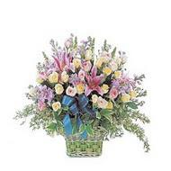 sepette kazablanka ve güller   Gaziantep hediye sevgilime hediye çiçek