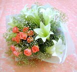 Gaziantep anneler günü çiçek yolla  lilyum ve 7 adet gül buket