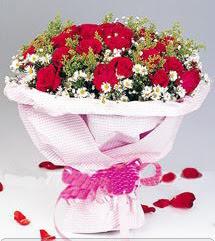 Gaziantep çiçek yolla , çiçek gönder , çiçekçi   12 ADET KIRMIZI GÜL BUKETI