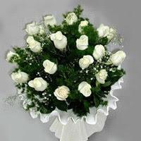Gaziantep güvenli kaliteli hızlı çiçek  11 adet beyaz gül buketi ve bembeyaz amnbalaj