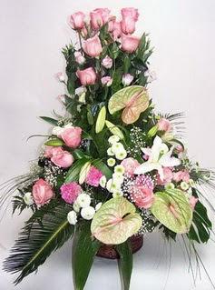 Gaziantep kaliteli taze ve ucuz çiçekler  özel üstü süper aranjman