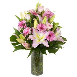 vazo içerisinde karisik mevsim çiçekleri  Gaziantep çiçek gönderme sitemiz güvenlidir
