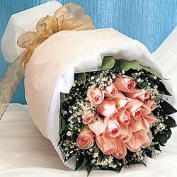 12 adet sonya gül buketi anneler günü için olabilir   Gaziantep uluslararası çiçek gönderme