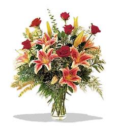 Gaziantep internetten çiçek satışı  Pembe Lilyum ve Gül