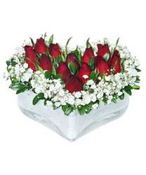 Gaziantep çiçek gönderme sitemiz güvenlidir  mika kalp içerisinde 9 adet kirmizi gül