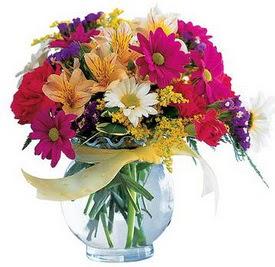 Gaziantep çiçek yolla , çiçek gönder , çiçekçi   cam yada mika içerisinde karisik mevsim çiçekleri