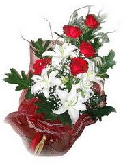 Gaziantep internetten çiçek siparişi  5 adet kirmizi gül 1 adet kazablanka çiçegi buketi