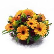 gerbera ve kir çiçek masa aranjmani  Gaziantep çiçek yolla