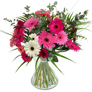15 adet gerbera ve vazo çiçek tanzimi  Gaziantep çiçek gönderme