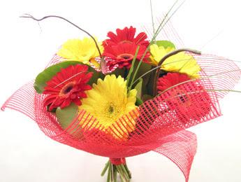 9 adet gerbera çiçeklerinden buket  Gaziantep çiçek servisi , çiçekçi adresleri