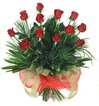 Çiçek yolla 12 adet kirmizi gül buketi  Gaziantep çiçek siparişi vermek