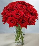 Gaziantep yurtiçi ve yurtdışı çiçek siparişi  cam vazoda 11 kirmizi gül  Gaziantep çiçekçi mağazası