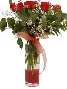 Gaziantep çiçek , çiçekçi , çiçekçilik  11 adet kirmizi gül vazo çiçegi