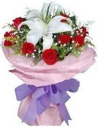 9 adet kirmizi gül 1 adet kazablanka buketi  Gaziantep yurtiçi ve yurtdışı çiçek siparişi
