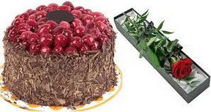 1 adet yas pasta ve 1 adet kutu gül  Gaziantep çiçek , çiçekçi , çiçekçilik