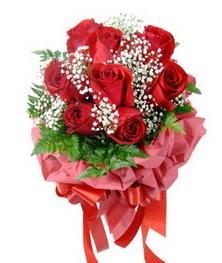 9 adet en kaliteli gülden kirmizi buket  Gaziantep internetten çiçek satışı