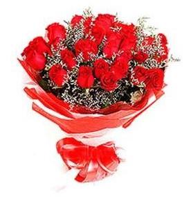 Gaziantep çiçekçiler  12 adet kırmızı güllerden görsel buket