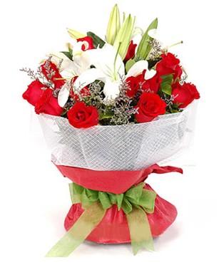 Gaziantep güvenli kaliteli hızlı çiçek  1 dal kazablanka 11 adet kırmızı gül buketi