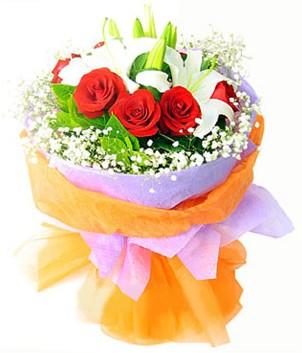 Gaziantep 14 şubat sevgililer günü çiçek  1 dal kazablanka 7 adet kırmızı gül buketi