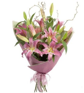Gaziantep uluslararası çiçek gönderme  3 dal cazablanca buket çiçeği