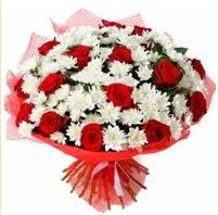 11 adet kırmızı gül ve beyaz kır çiçeği  Gaziantep çiçek yolla , çiçek gönder , çiçekçi