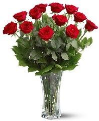 11 adet kırmızı gül vazoda  Gaziantep çiçek gönderme sitemiz güvenlidir