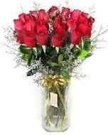 27 adet vazo içerisinde kırmızı gül  Gaziantep uluslararası çiçek gönderme