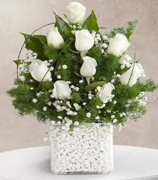 9 beyaz gül vazosu  Gaziantep çiçek servisi , çiçekçi adresleri