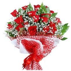 11 kırmızı gülden buket  Gaziantep ucuz çiçek gönder