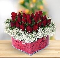15 kırmızı gülden kalp mika çiçeği  Gaziantep çiçek servisi , çiçekçi adresleri