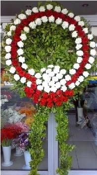 Cenaze çelenk çiçeği modeli  Gaziantep hediye çiçek yolla