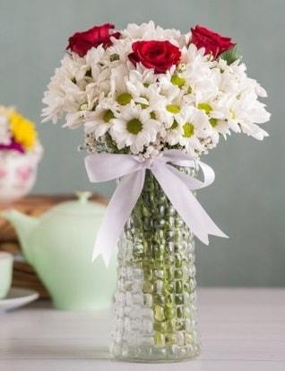 Papatya Ve Güllerin Uyumu camda  Gaziantep 14 şubat sevgililer günü çiçek