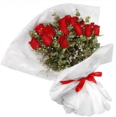 9 adet kırmızı gül buketi  Gaziantep yurtiçi ve yurtdışı çiçek siparişi