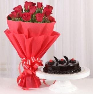 10 Adet kırmızı gül ve 4 kişilik yaş pasta  Gaziantep çiçek yolla , çiçek gönder , çiçekçi