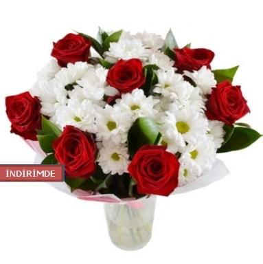 7 kırmızı gül ve 1 demet krizantem  Gaziantep 14 şubat sevgililer günü çiçek